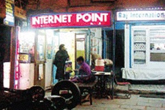 India's Net Cafe Owners Wary of Curbing Cyber Porn