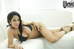 Castle Megastore Presents Octomom Double Exclusive