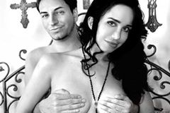 Octomom Auctioning Dates on WhatsYourPrice.com