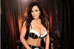 Lisa Ann Embarks on Showcase Movie for Wicked Pictures