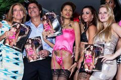 Magic Silk Hosts Fashion Show in N.Y.