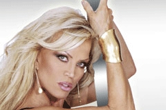 Amber Lynn Signs 7-Picture Deal With Zero Tolerance